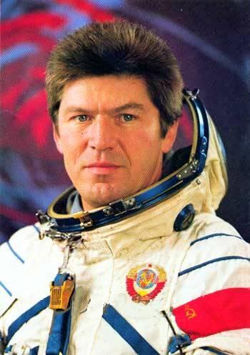 Летчик-космонавт СССР Валерий Викторович Рюмин